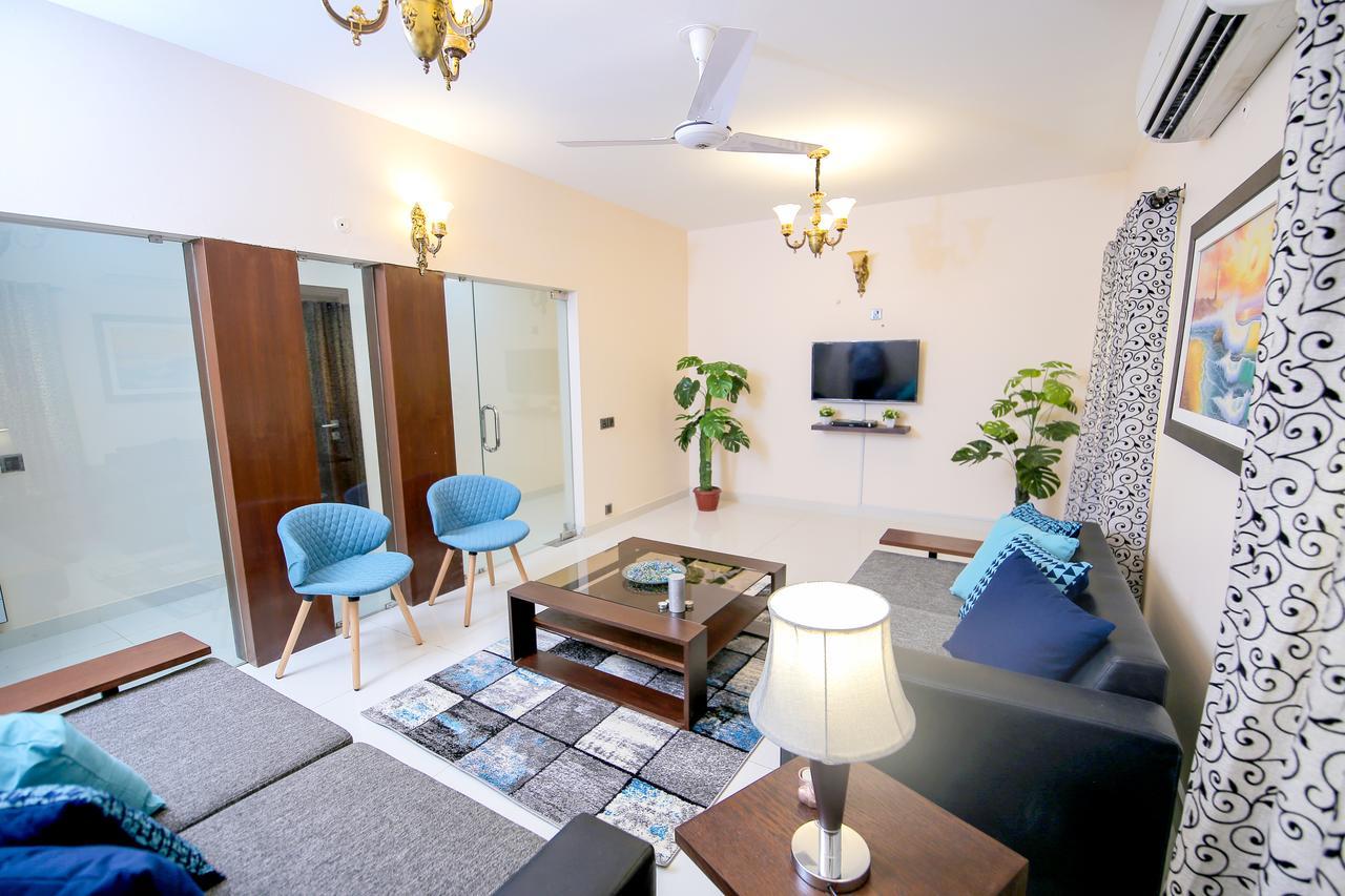 Modern Three Bedroom Aparment by Royal Stays