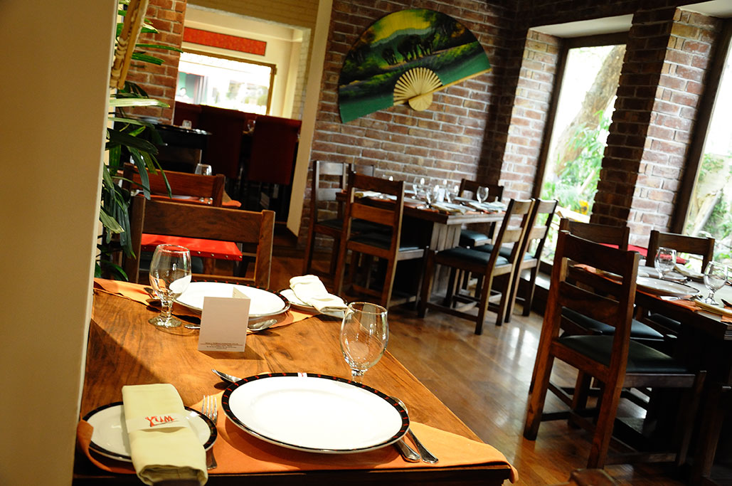 Yum! Chinese and Thai Restaurant